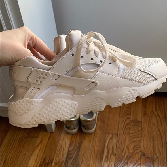 Nike Shoes - Nike- Huaraches size 5.5 kids/ 7.5 womens